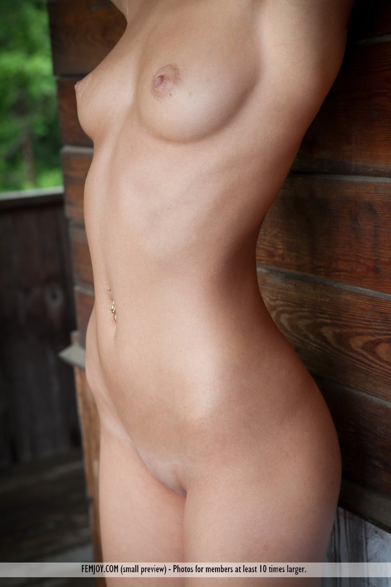 naked girls close ups