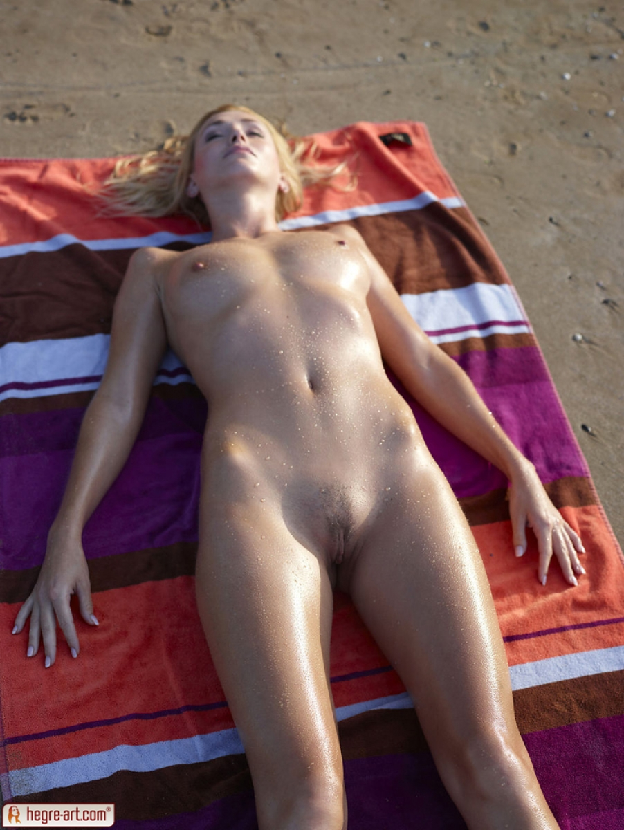 Message, naked women sunbathing nude confirm