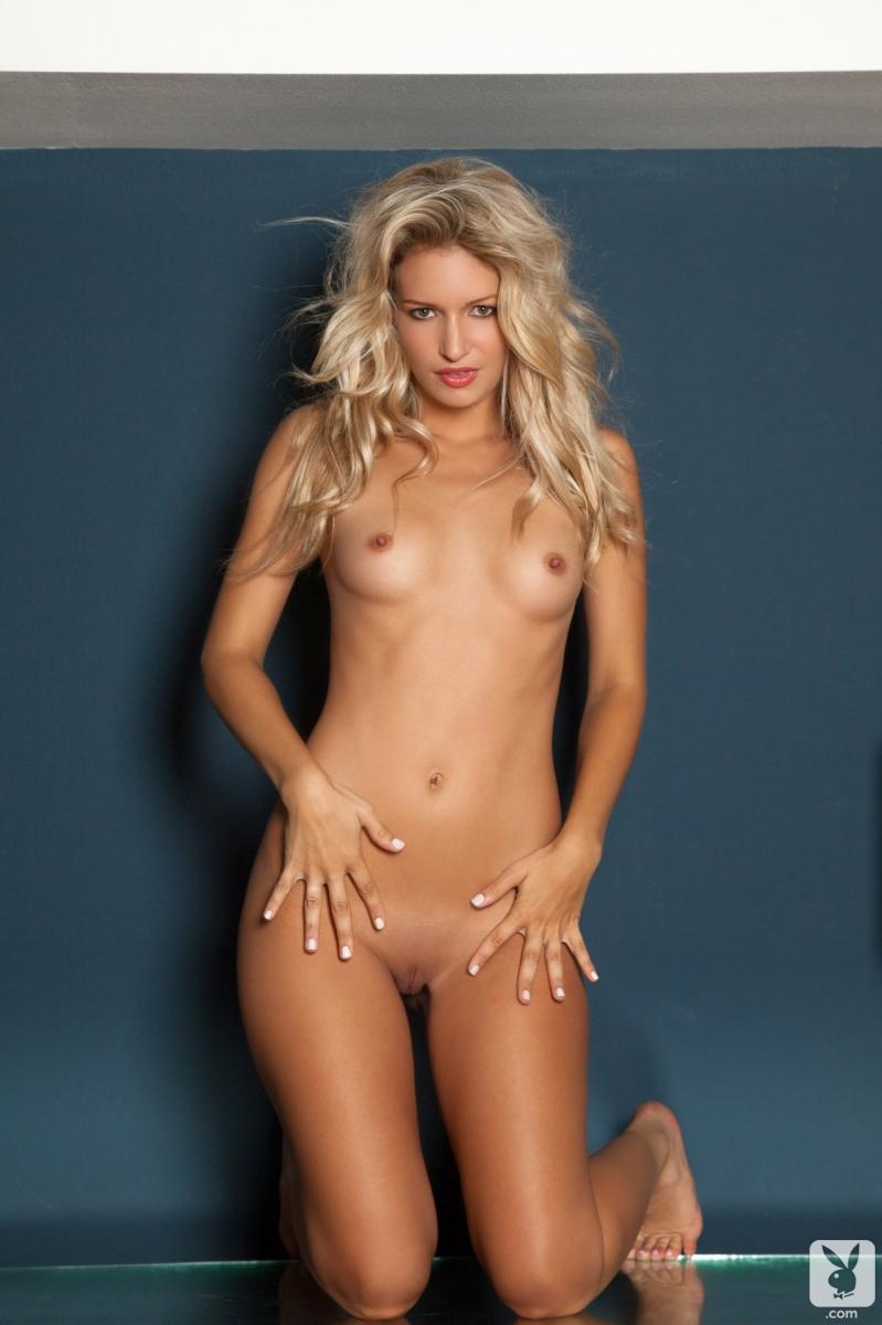 mandy-maria-micheal-nude-jami-gertz-sexy-tits