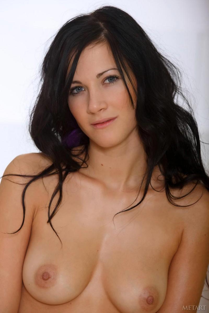 nude art crist met Lauren