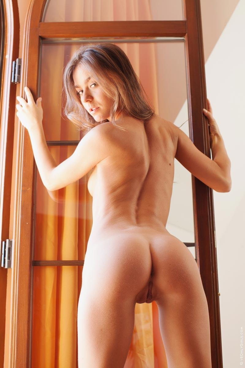 alex adams naked body