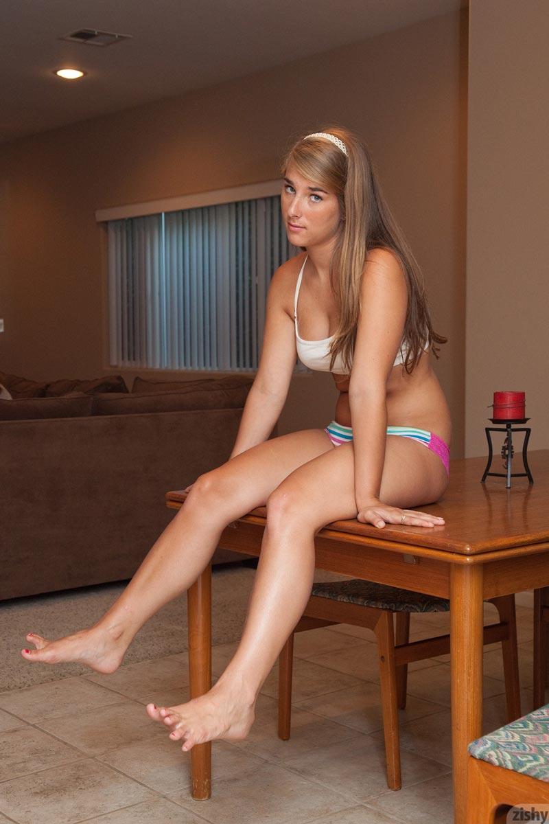 Naked teen babe blog