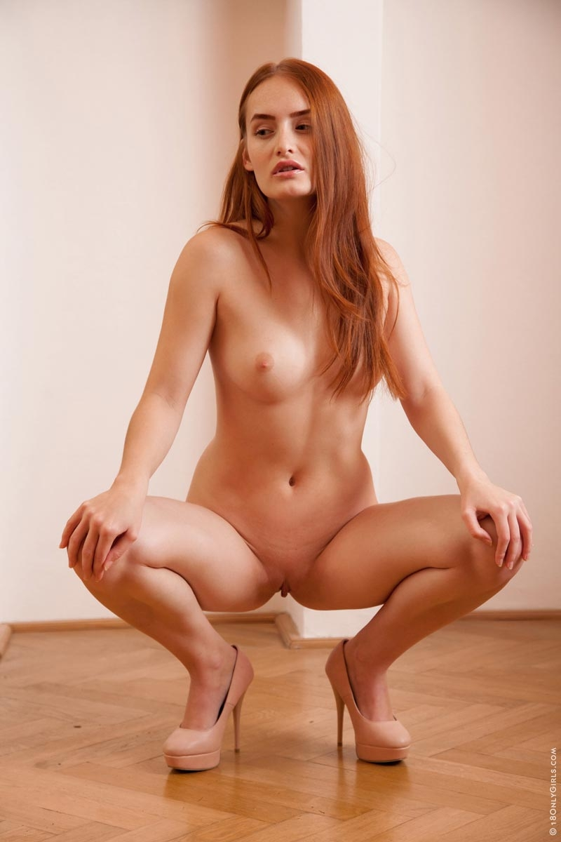 denisa naked in heels