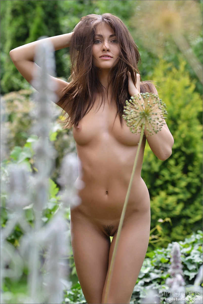 Excellent answer, Sexy nude women garden