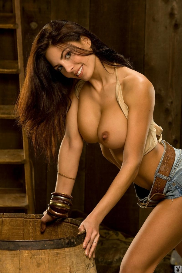 Adrianna kroplewska shows off her awesome breasts 9
