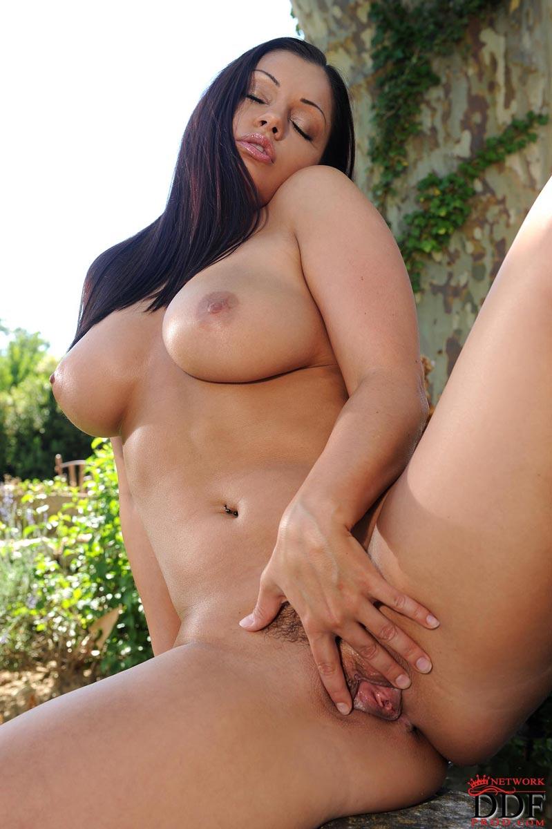 Aria giovanni naked