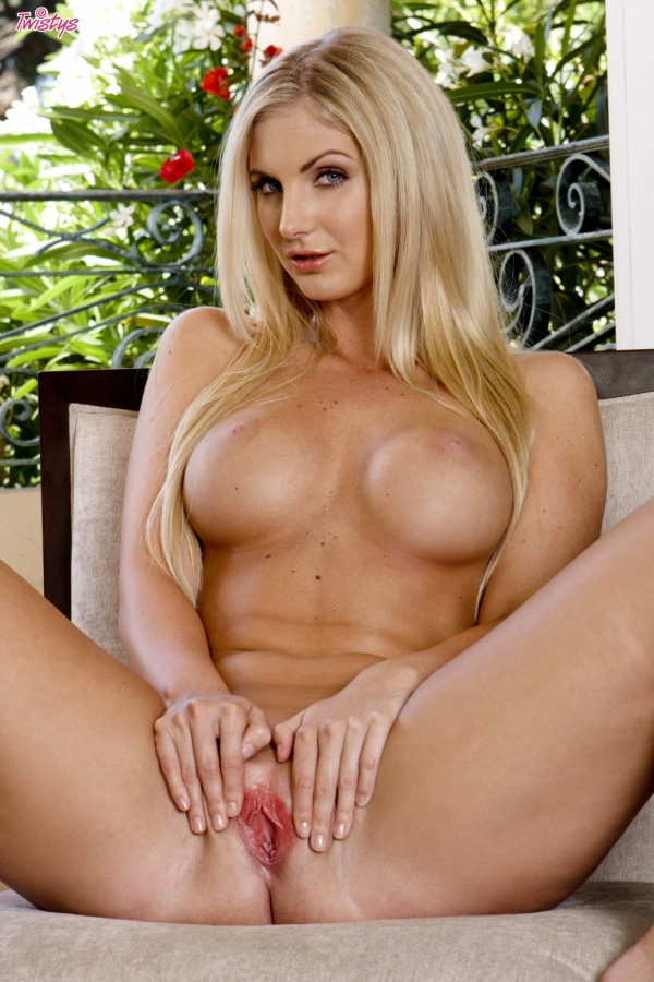 D cup sexy blonde lesbian