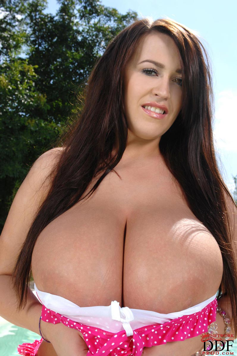 Leanne crow big tits pool