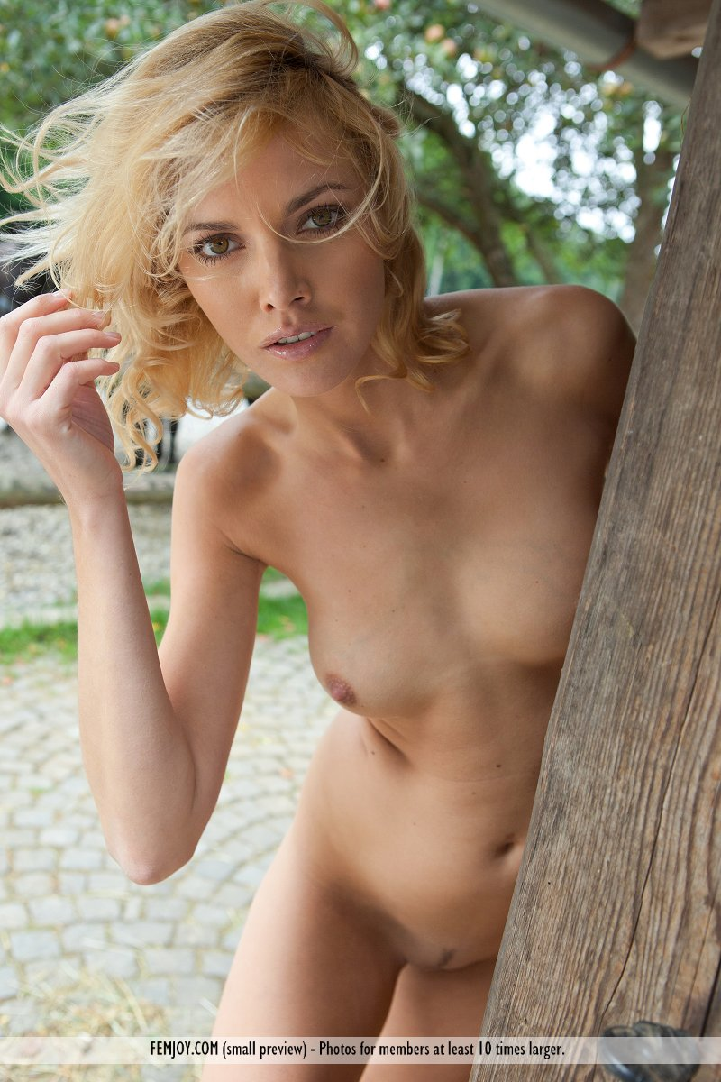 nude fucking seens girl with many boys