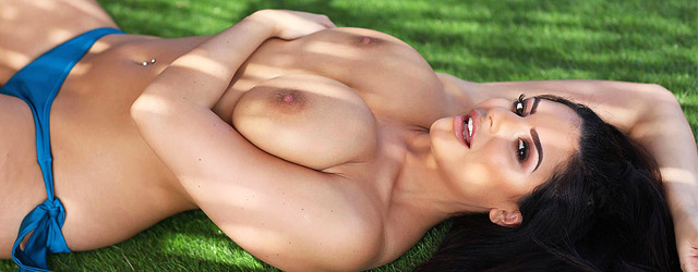 Charlotte Bikini Babe