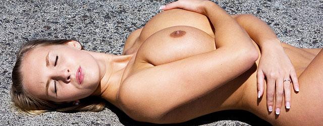 Curvy Blonde Bombshell Naked On A Sun