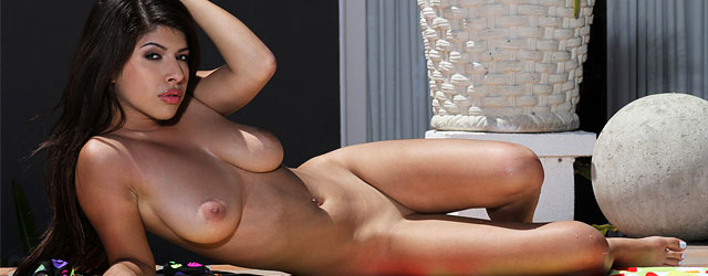 Sexy nude pure dee galleries