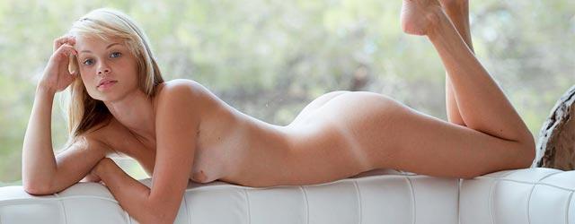 Eve Luv Nude