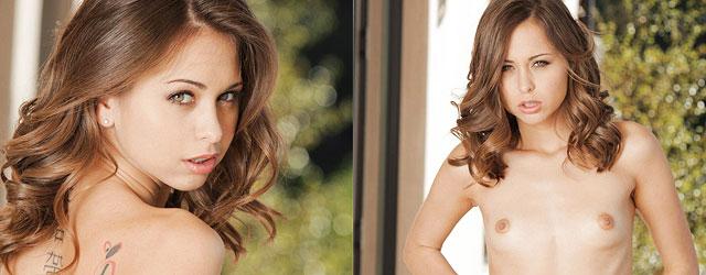 Skinny Beauty Riley Reid Looks Hot In Her Lingerie