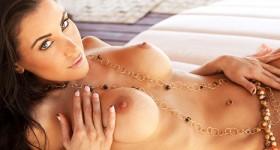 kristy-joe-shows-tight-naked-body-outside