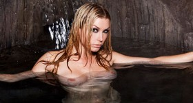 heather-vandeven-gets-wet-in-the-grotto