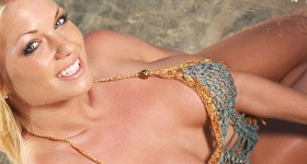 hot-blonde-ashley-sunbathing-at-the-beach