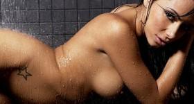 amazing-latina-lela-star-in-the-shower
