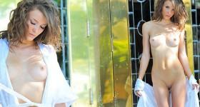 petite-nude-beauty-malena-morgan-posing