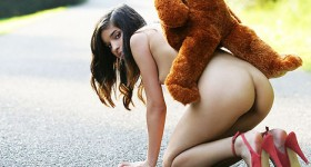 naked-babe-nika-with-her-favorite-stuffed-bear
