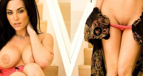 lingerie-goddess-crissy-henderson-strips-on-the-stairs