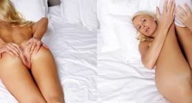 skinny-nude-blonde-babe-in-white-socks