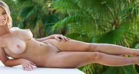 blonde-perfection-relaxing-naked-outside