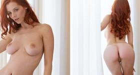 curvy-nude-redhead-model-posing