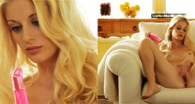 horny-blonde-tests-her-brand-new-pink-toy