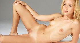 all-natural-blonde-amateur-casting-pics