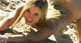cute-naked-teen-at-the-beach