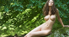 susann-shows-gorgeous-big-tits