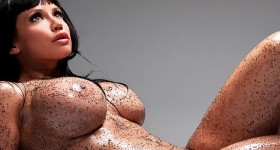 oiled-up-bianca