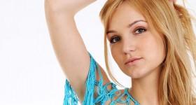 skinny-blonde-chick-teasing