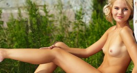 blonde-babe-talia-in-the-sun