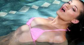 dani-daniels-in-pink-bikini