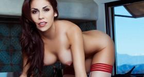 chelsie-farah-posing-nude