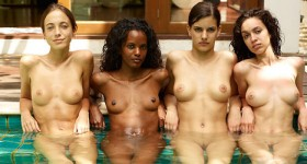 nude-girls-in-a-pool