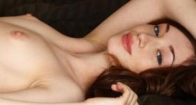 petite-nude-met-art-brunette