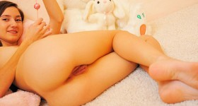 teen-kinky-play