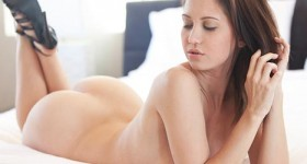 chrissy-is-naked-in-bed