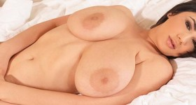 luna-amor-massive-boobs