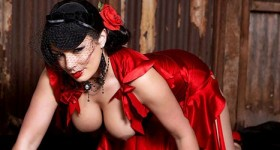 aria-giovanni-in-a-red-dress