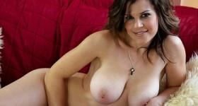 busty-temptress