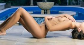 petite-sabrisse-in-a-bikini