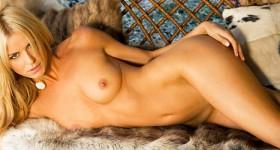 sexy-blonde-karina