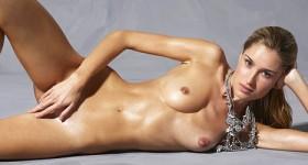top-nude-model