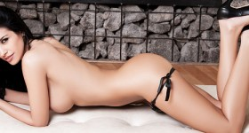 laura-cattay-private-show