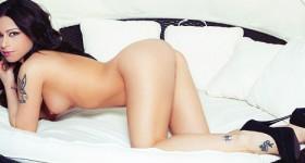 adriana-lynn-in-bed