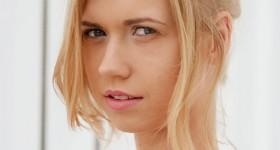 sweet-nude-blonde